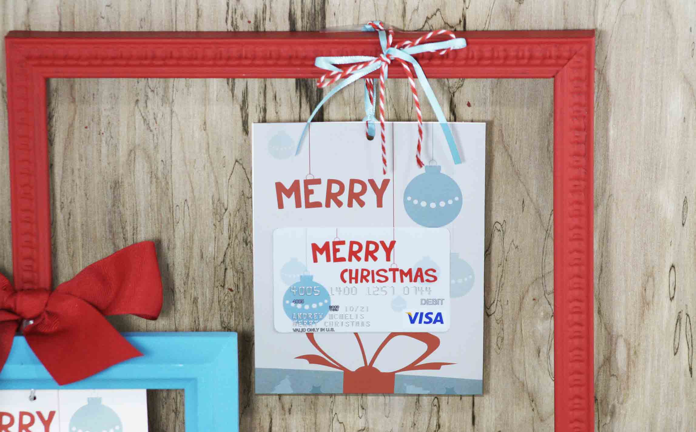 close photo of flat gift card