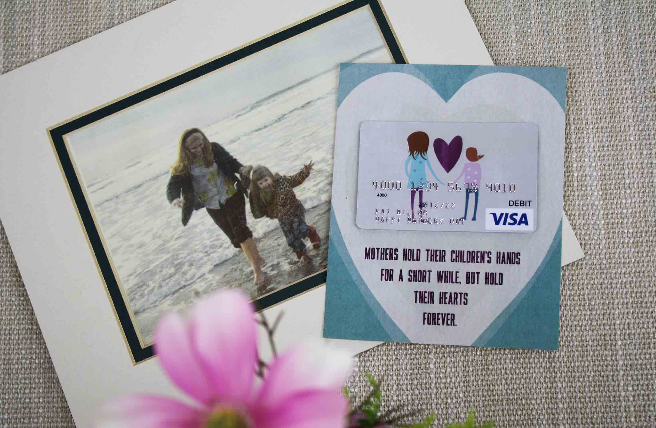 Gift Card With Picture Of Mom